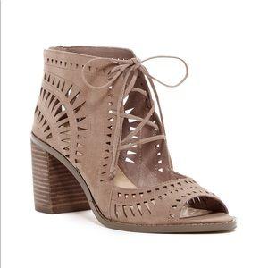 Vince camuto tarita lazer cutout lace up sandals 6